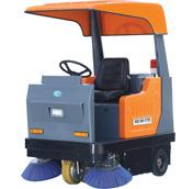 Q4P驾驶扫地车,带顶棚,可配喷雾