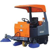 Q4B机械臂式驾驶式扫地车,扫地宽度1650mm